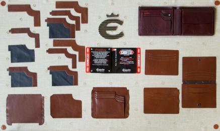 <p>Eine Geldbörse besteht aus bis zu 50 Einzelteilen.</p>