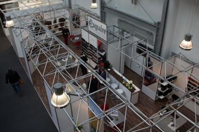 <h5>2015</h5><p>Unser Messestand auf der Internationalen Lederwarenmesse in Offenbach.</p>