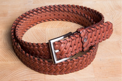 <h5>2195 35</h5><p>Braided belt in black and cognac. Width 3,5 cm and length available till 110 cm. Description: Braided</p>